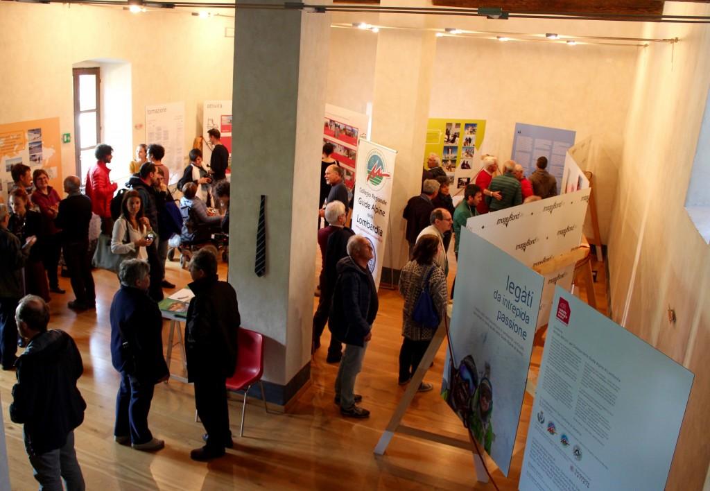 Pubblico all'apertura della mostra della guide